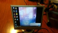 HP 4:3 LCD good condition VGA cable included Toronto, M3H 2J3