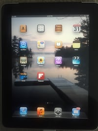 IPad 16GB 1st gen with 3G - comes with case St Catharines, L2M 5S7
