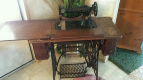 Used 40 Singer Treadle Sewing Machine For Sale In Garland County Fascinating 1935 Singer Sewing Machine