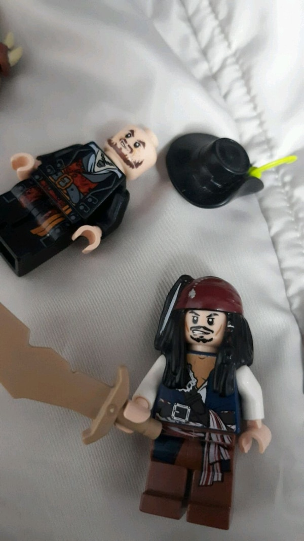 Lego pirates of the Caribbean minifigs  2d52dff2-e54e-47da-9517-39a911493cdc