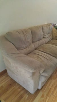 Sofa - couch Mississauga, L5N 2M7