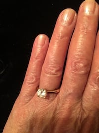 One carat facited crystal ring. Bear, 19701