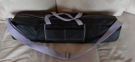 Yoga matt with carrying case (Bally Total Fitness)
