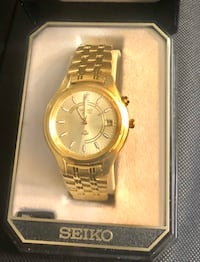 Seiko Kinetic Mens watch.Will trade for a silver and blue face watch. Baltimore, 21202