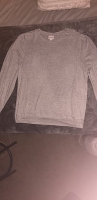 Gray oversized sweatshirt from Target. Large. Never worn.  Fayetteville, 72701