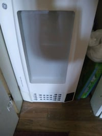 Table/4chars, microwave,  dryer