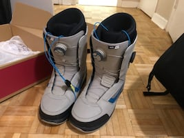 Vans dual boa snow board boots with now bindings