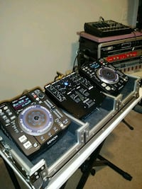Two cd players and mixer DENON with hard case. Greenville, 29607