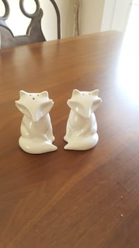 Brand new salt and pepper shakers  McAllen, 78504