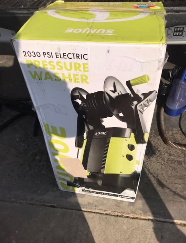 Brand New!! Sunjoe 2030 psi electric pressure washer 47573605-5e38-4005-a7c4-46dc0b317040