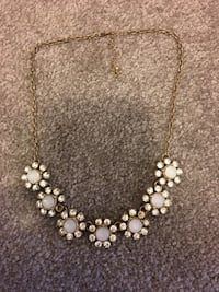 gold and white pearl necklace Naperville, 60540