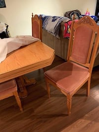 Solid wood, vintage table 4 chairs set. No marks, no stain, very clean Hamilton, L9B 1K9