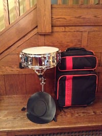 Snare drum with black and red case  Dover, 44622
