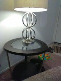 2 lamps 2 end tables n coffee table  Redding, 96002