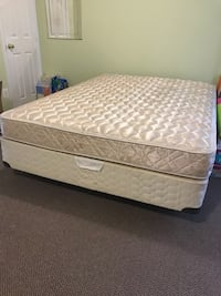 Queen bed set Herndon, 20171