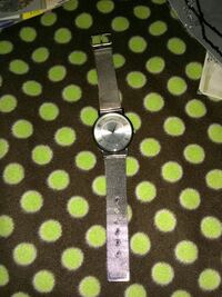Silvertone ladies watch 2331 mi