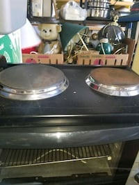 Bravati oven with 2 burners on top ideal for cabin Edmonton, T5Z 2Y3