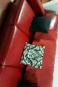 Red leather couch 538 km