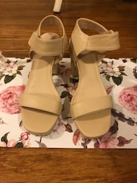 Size 9 Betts Nude Heels Concord, 2137