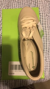 Shoes 8W. Brand new Skokie, 60076