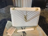 Gorgeous medium size purse  Hamilton, L8W 3H2
