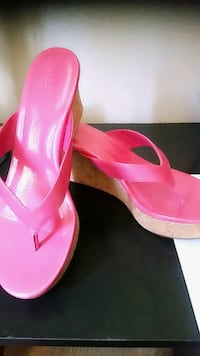 pair of pink leather open-toe heeled sandals Chula Vista, 91910