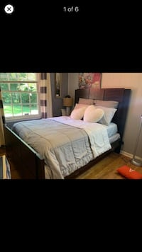 Queen bed frame  Charlotte, 28217