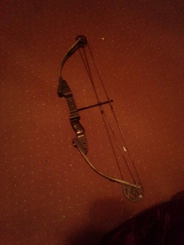 Used black compound bow for sale in Conneaut Lake - letgo