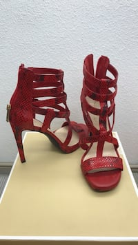 Jessica Simpson size 6 sexy red and black scrappy high heels