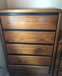 Broyhill Oak Dresser and 5 drawer chest Clinton, 20735