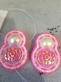 pair of beaded pink-and-white stud earrings