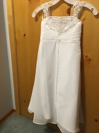 First communion or flower girl dress. Size 4 David's bridal