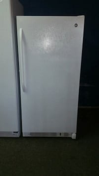 GE UPRIGHT FREEZER 14 CU FT Anniston, 36201