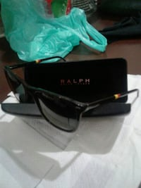 black framed Ray-Ban sunglasses with case Brooklyn, 11222