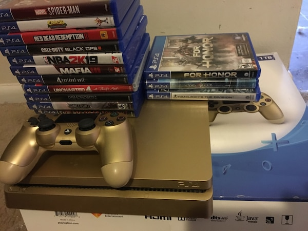 PS4 1TB Limited Edition Gold & 15 Games