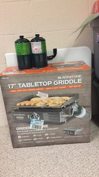 Great tail gate grill or home grill you will love it trust me Palmyra, 17078