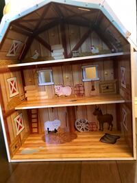 2 ft tall wooden barn with accessories. For the animal lover kid. Garden Grove, 92844