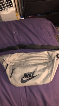 Nike fanny pack Baltimore, 21216
