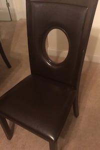 Dinning Table with 4 chairs Charlotte, 28262
