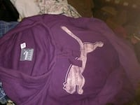 Like new puma sweater with pockets Beverly Hills, 34465