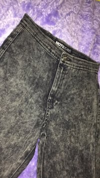 High waisted jeans  New Westminster, V3N 2T1