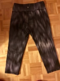 Size small work out capris 727 km