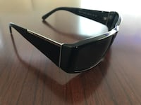 black framed Oakley sports sunglasses Montréal, H1S 1K6