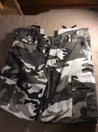 black and gray camouflage cargo shorts Richmond Hill, L4S 0B5