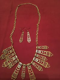 Gold necklace and earrings Melbourne, 32940