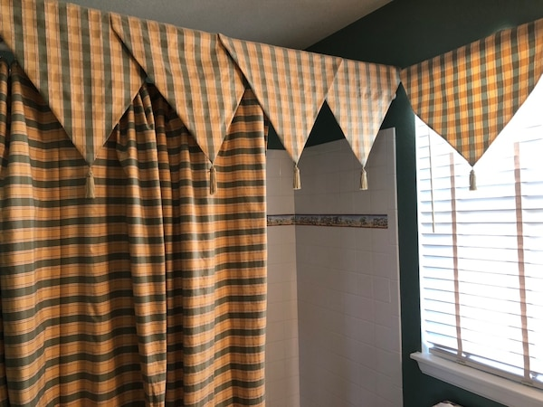 Used Custom Shower Curtain W Window Valance For Sale In Fort Collins