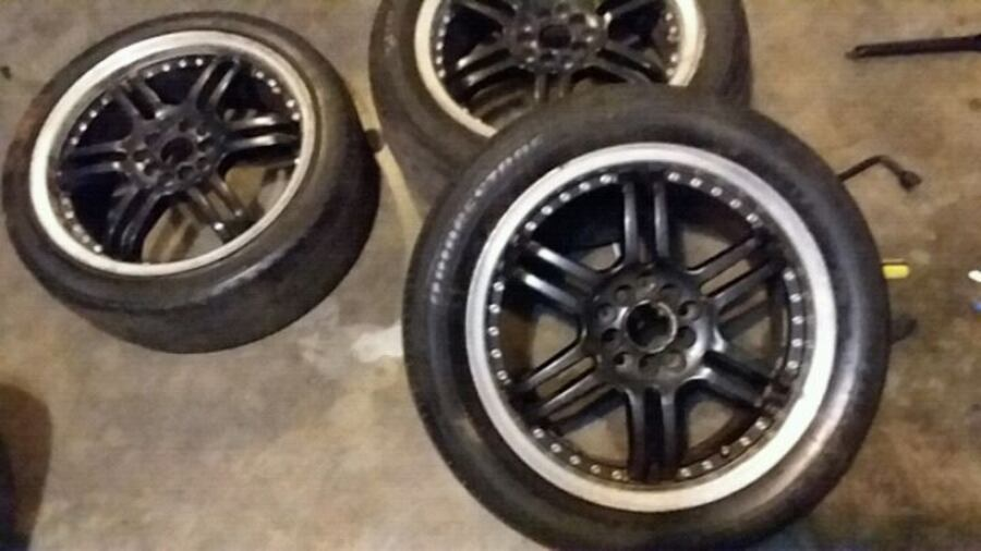 "nice set of 17 "" black rims with chrome lip. need them gone  quick. 5058aba2-b41b-4e85-b939-70b8c63cbba7"