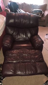 Brown Leather Chair Naperville, 60563