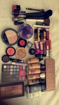 Assorted make up tools