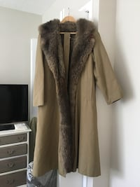 Trench coat, opossum lined, size small, recently dry cleaned Burnsville, 55337